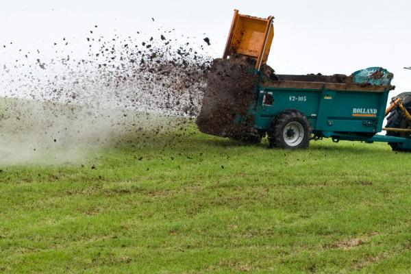 Muck spreading at North Wyke Credit: Rothamsted Research