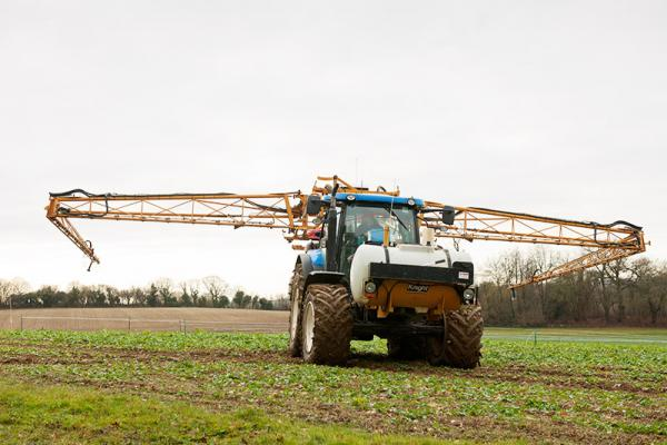 Knight 24m tractor mounted sprayer
